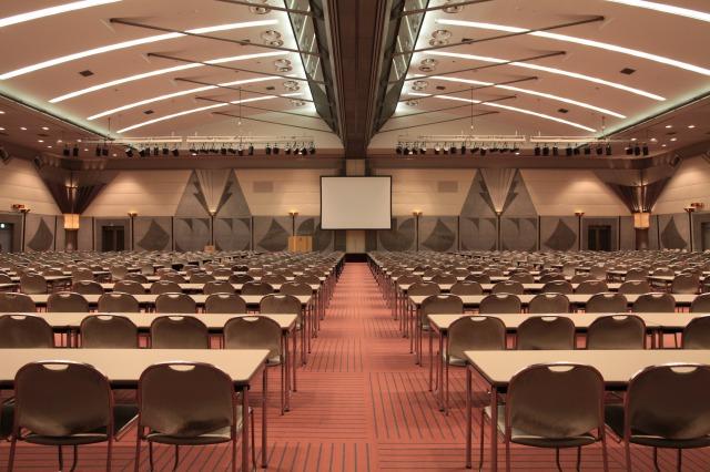 日本最大級のコンベンションセンター、幕張メッセ様の施設運営管理システム構築に「Reserve Keeper V-ERPを基盤として採用して頂き、「業態」「規模」「管理手法」の垣根を越えた独自のシステム化を実現。
